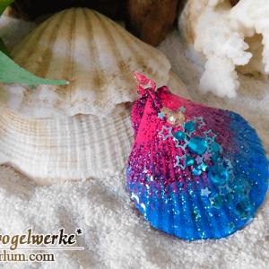 Shell pendant - Blue Pink